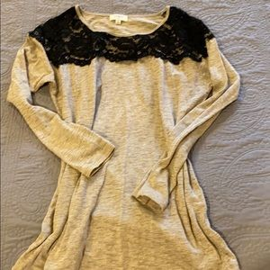 Umgee tan top with lace detail